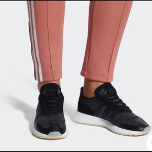Adidas FLB Women's Runner shoes Firm Price !